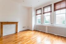 2 bed Flat in Englewood Road...
