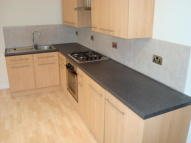 Flat to rent in Portland Road, London...