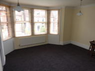 Flat to rent in Gleneldon Road, London...