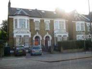 1 bed Studio flat to rent in Streatham Place, London...