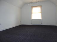 Studio apartment to rent in Gleneldon Road, London...