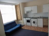Studio flat to rent in Melfort Road...