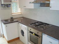 Studio flat in AMESBURY AVENUE, London...