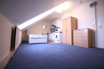 Studio apartment in Bensham Lane...