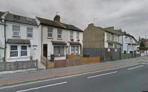 1 bedroom Flat to rent in Whitehorse Road...