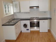 1 bedroom Flat to rent in Lower Addiscombe Road...