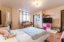 Studio apartment for sale in Ellsworth Street...