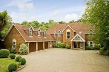 5 bedroom Detached home to rent in Meadway, Esher, Surrey...