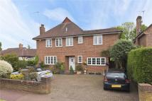 Detached house in Oaken Drive, Claygate...