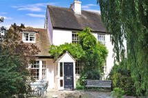 4 bed Detached house for sale in 21 The Street, Upchurch...