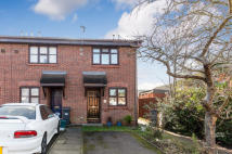 2 bed End of Terrace home for sale in Drayton Close, TW4