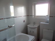 Maisonette to rent in Townhead Street, Kilsyth...