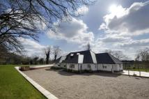 Detached property in Nr BURNHAM BEECHES