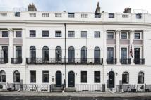 Town House to rent in PARK STREET, WINDSOR