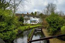 BOURNE END Detached house for sale