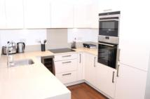 2 bedroom Flat to rent in Queensland Terrace,...