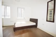 3 bedroom Flat in Shoreditch, London
