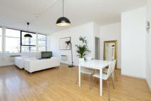 Long Street Flat to rent