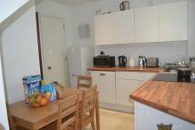 Flat to rent in Bell Street...