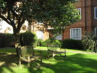 Flat to rent in Watchfield Court...