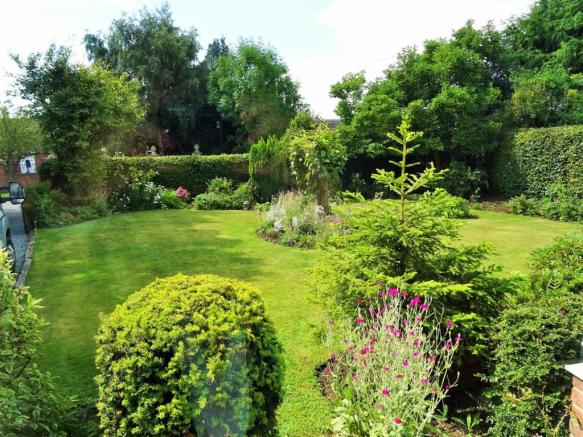 Front Gardens (2).JPG