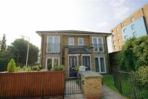 Flat to rent in Kingswood Terrace...