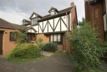 Detached home to rent in Groveside Close, London
