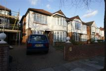 4 bed Detached home in Baronsmede, London