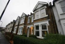 Flat to rent in Midland Terrace, Acton...