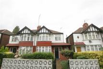 Twyford Abbey Road semi detached house to rent