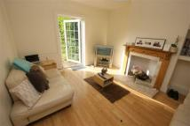 4 bed semi detached home to rent in Saxon Drive, London