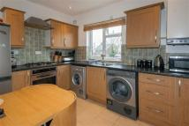 2 bed Flat in Alfred Road, London