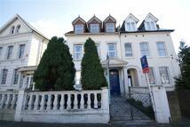 2 bedroom Flat to rent in York Road, Acton, London