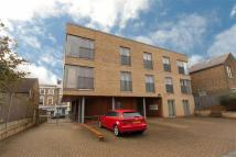 Flat to rent in Poets Court, Acton...