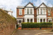 3 bed End of Terrace house to rent in Summerlands Avenue...