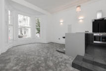 1 bed Apartment in Earls Court Square...
