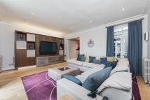 2 bed Flat to rent in Redcliffe Square...