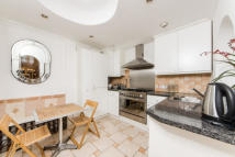 Mews to rent in Coleherne Mews, SW10