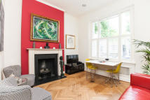 2 bedroom Flat in Kempsford Gardens...