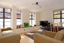 1 bed Apartment in Bolton Gardens...