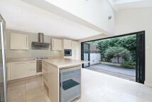 4 bedroom Terraced property in Pursers Cross Road...