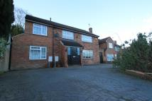 4 bedroom Detached house in Little Potters, Bushey...