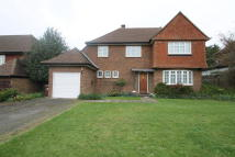 3 bed Detached property in The Comyns, Bushey Heath...