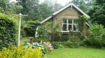2 bedroom Cottage for sale in GLEN HEAD, Sheffield, S17