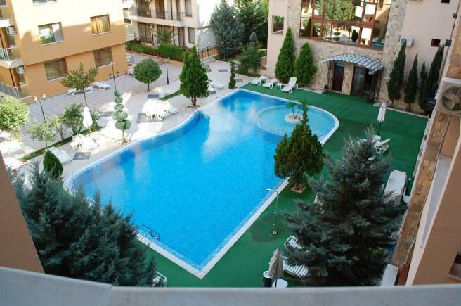 poolview1