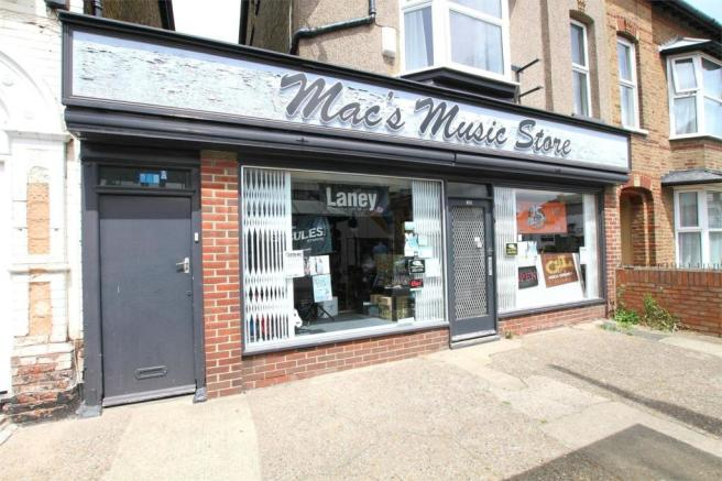 3 bedroom commercial property for sale in macs music store for Commercial house music