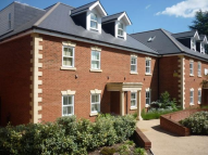 Apartment to rent in West Hill Place, Oxted...