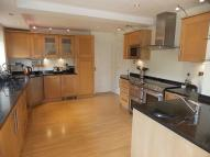4 bedroom Detached house to rent in Kensington Drive...