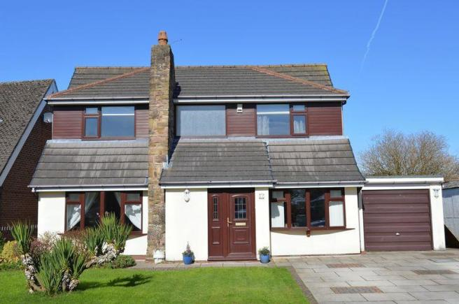 4 bedroom detached house for sale in Upwood Road Lowton WA3 2PL WA3