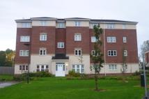 3 bedroom Apartment in Ledgard Avenue, Leigh...